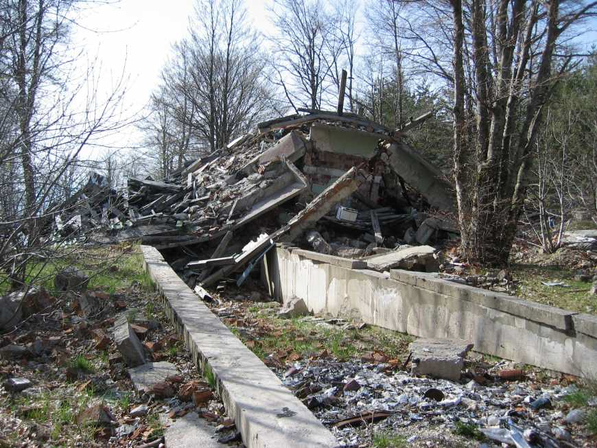 38 - Destruction entrepôt munitions